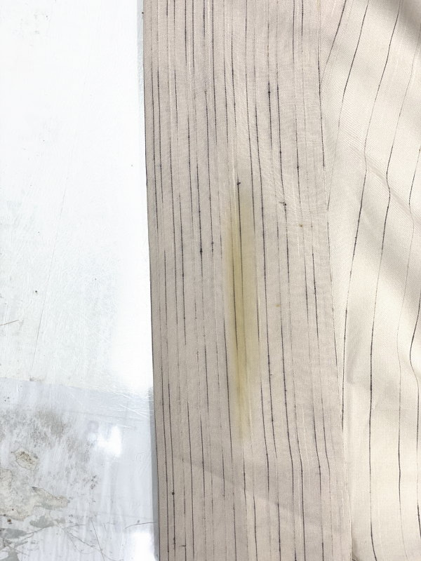 着物染み抜き工程1 ファンデーション皮脂の頑固なシミ