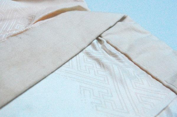 変色した長襦袢の地衿