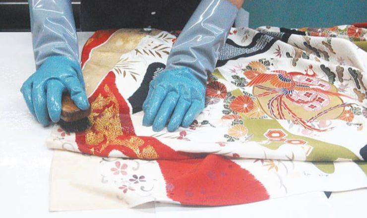 着物手作業洗い